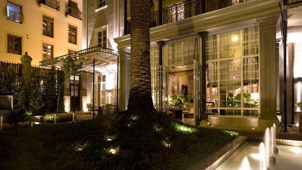 007860-17-courtyard