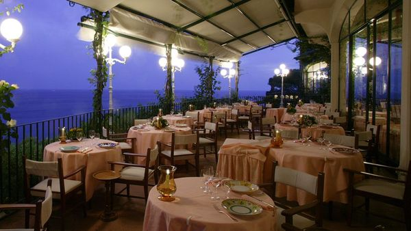 003345-04-restaurant-terrace-twilight-sea-view
