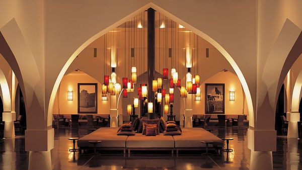 002537-11-Chedi-Muscat-Lobby-Entrance