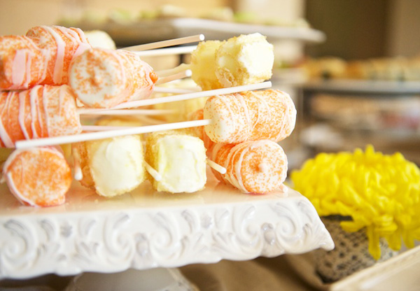 YellowAndOrangeBabyShower_13