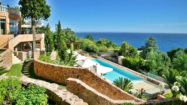 007772-22-exterior-pool-sea-view